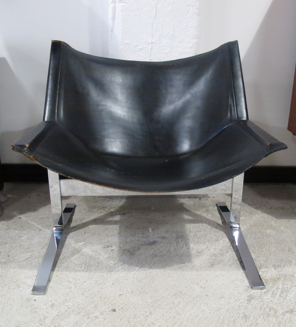 CLEMENT MEADMORE NO. 248 BLACK LEATHER SLING LOUNGE CHAIR