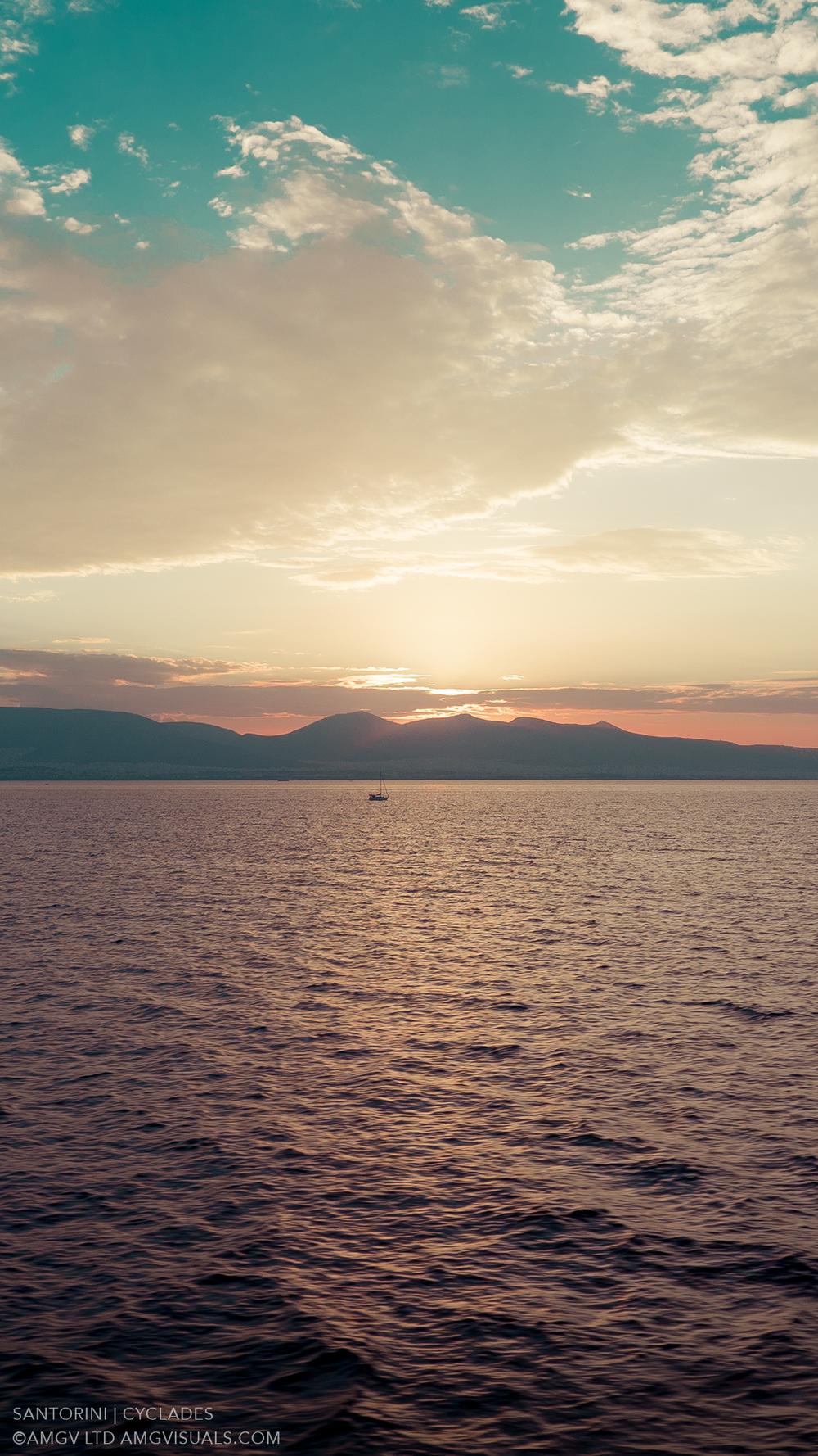 ©AMGV-LTD-Santorini+Cyclades-10.jpg