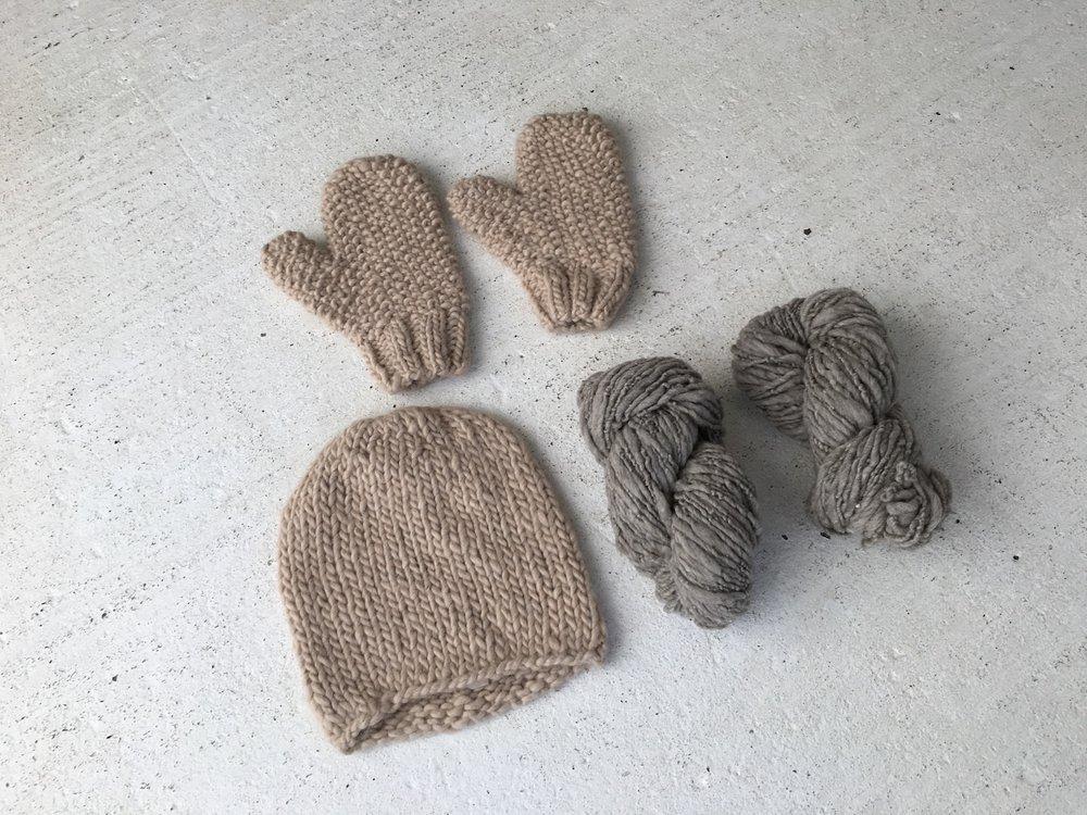 handspun hat, handspun mittens, handspun yarn