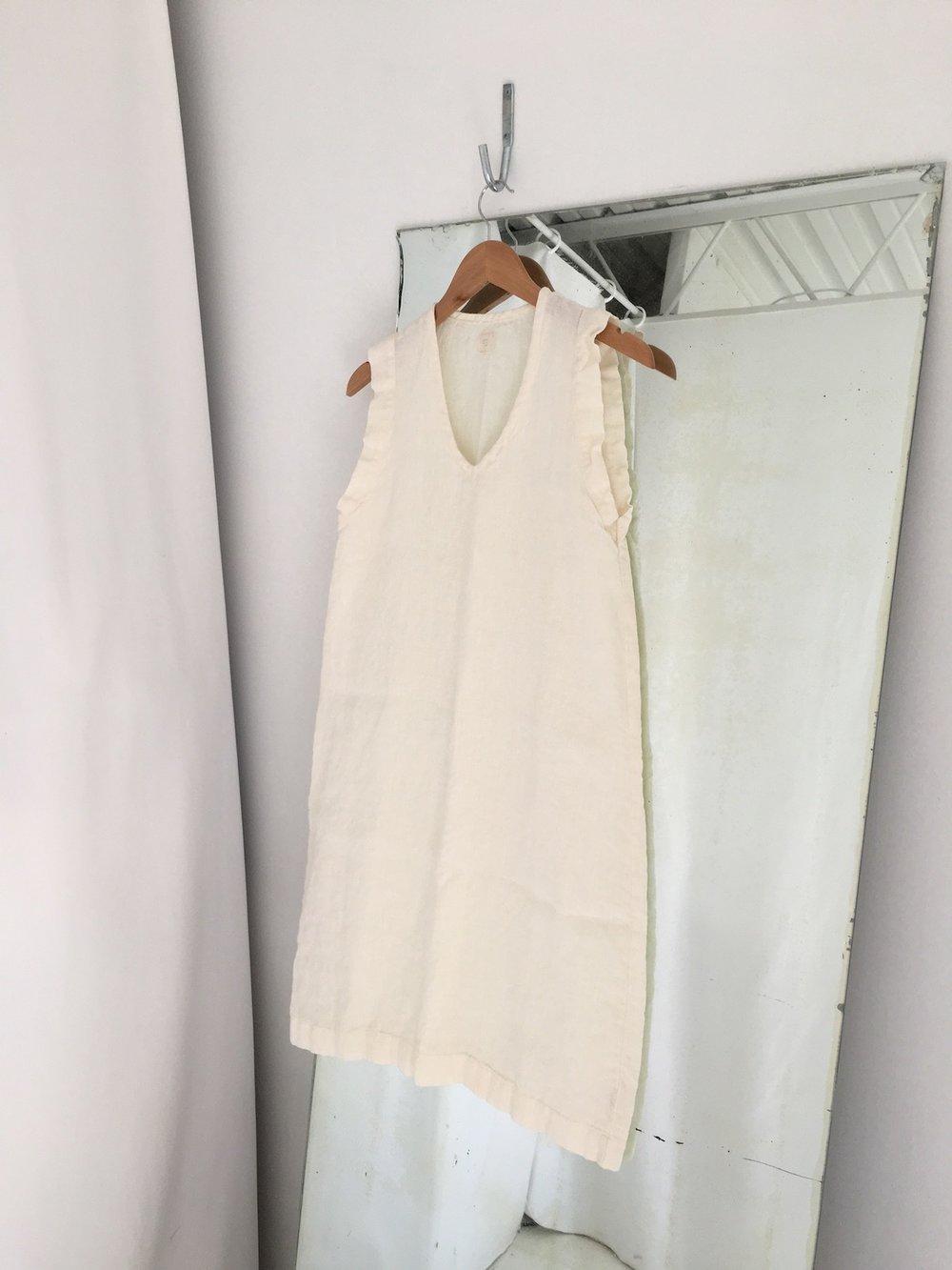 summer linen v dress
