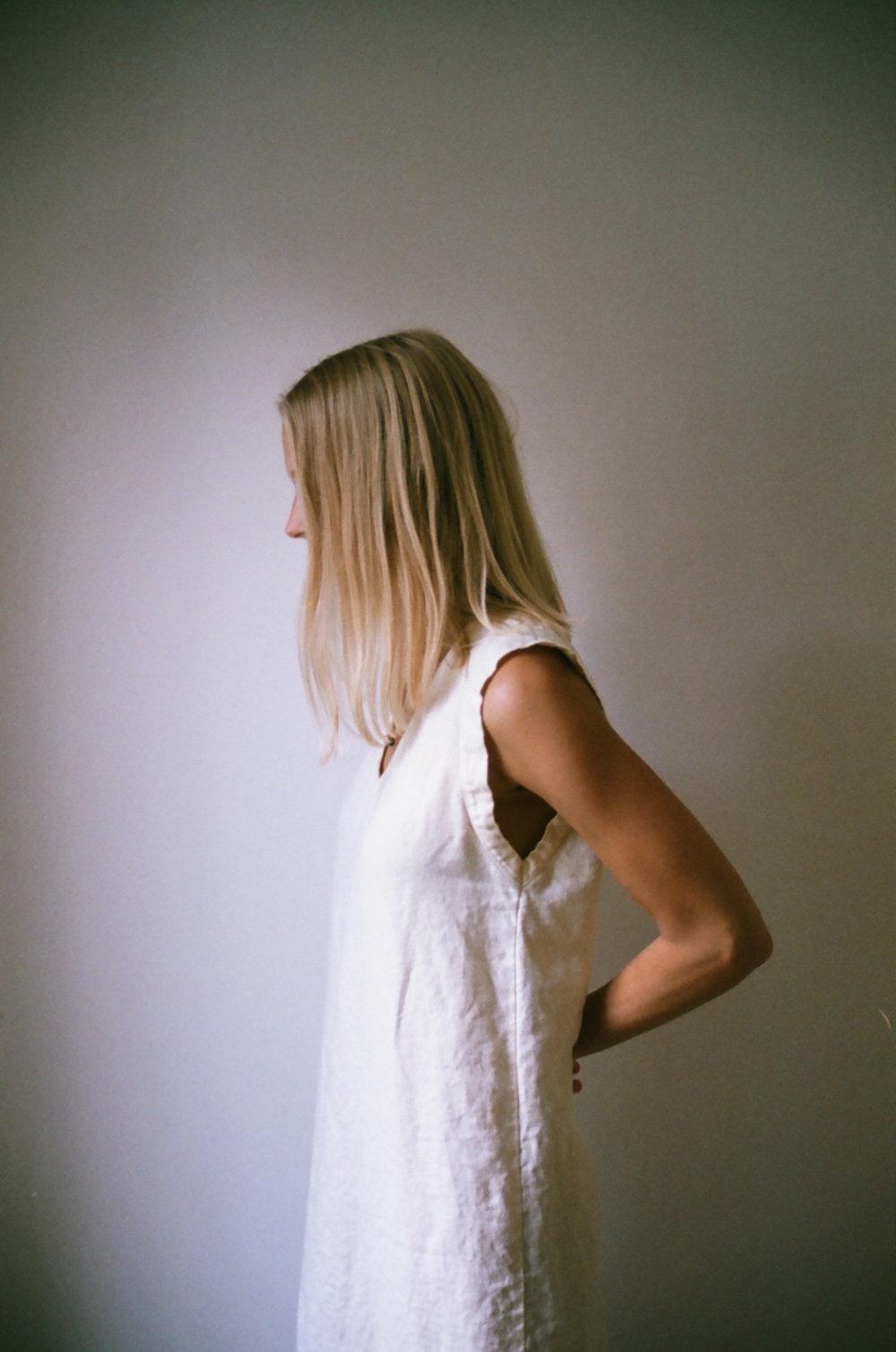 Han Starnes_Linen V Dress_4.jpg