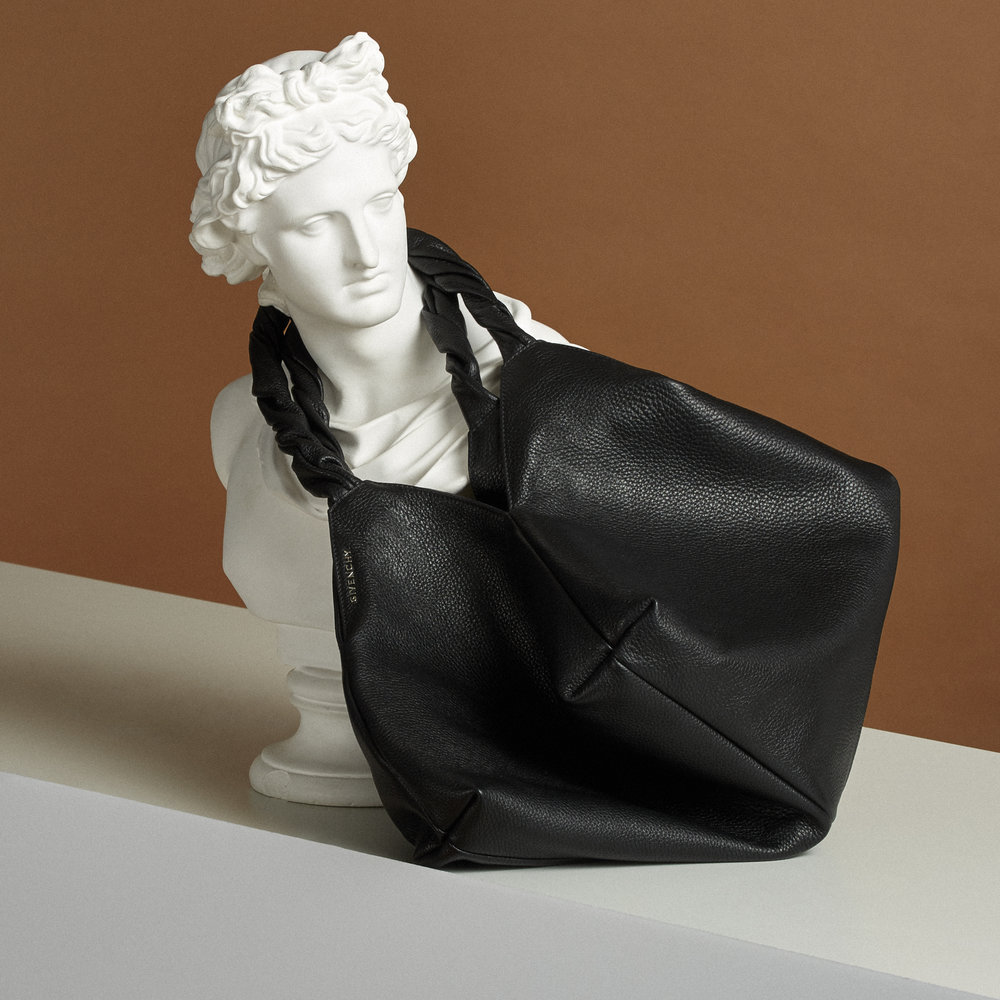 TheWindow_Givenchy_ItBag_RR24341.jpg