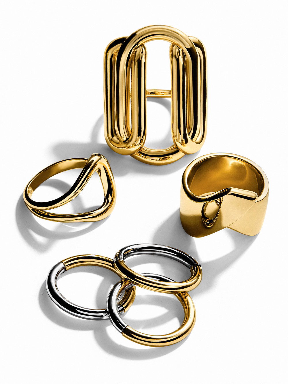 2.13_MustHave_Fluid_Metal_Rings_main_Nobrand.jpg