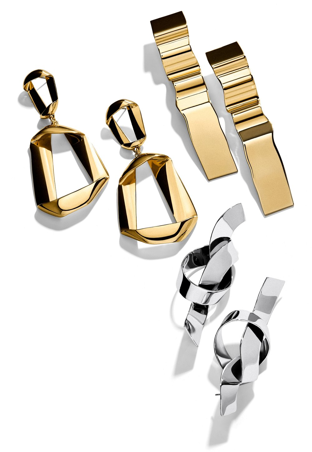 2.13_MustHave_Fluid_Metal_Earrings_38.jpg