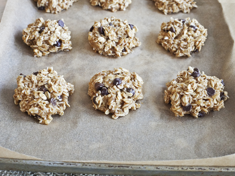 Peanut Butter Banana and Carob Chip Cookies - Scoop