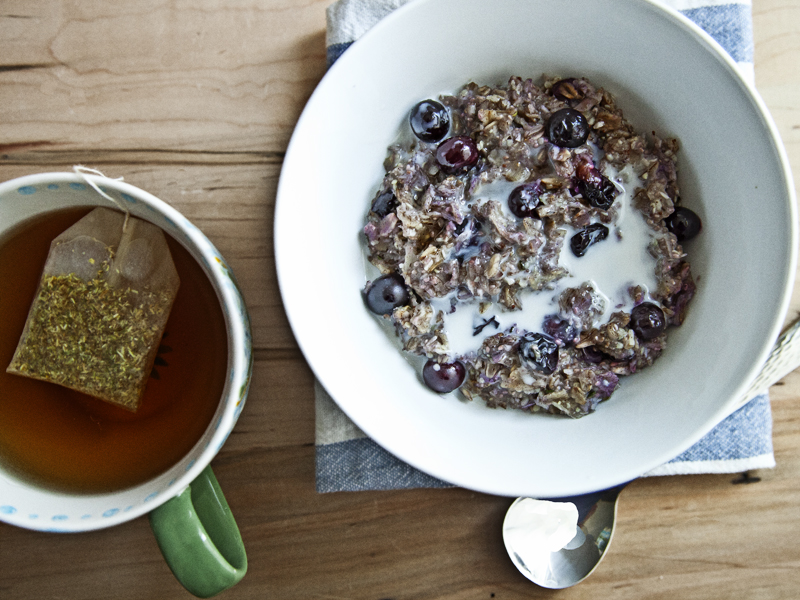Blueberry Vanilla Oatmeal with Chia and Hemp