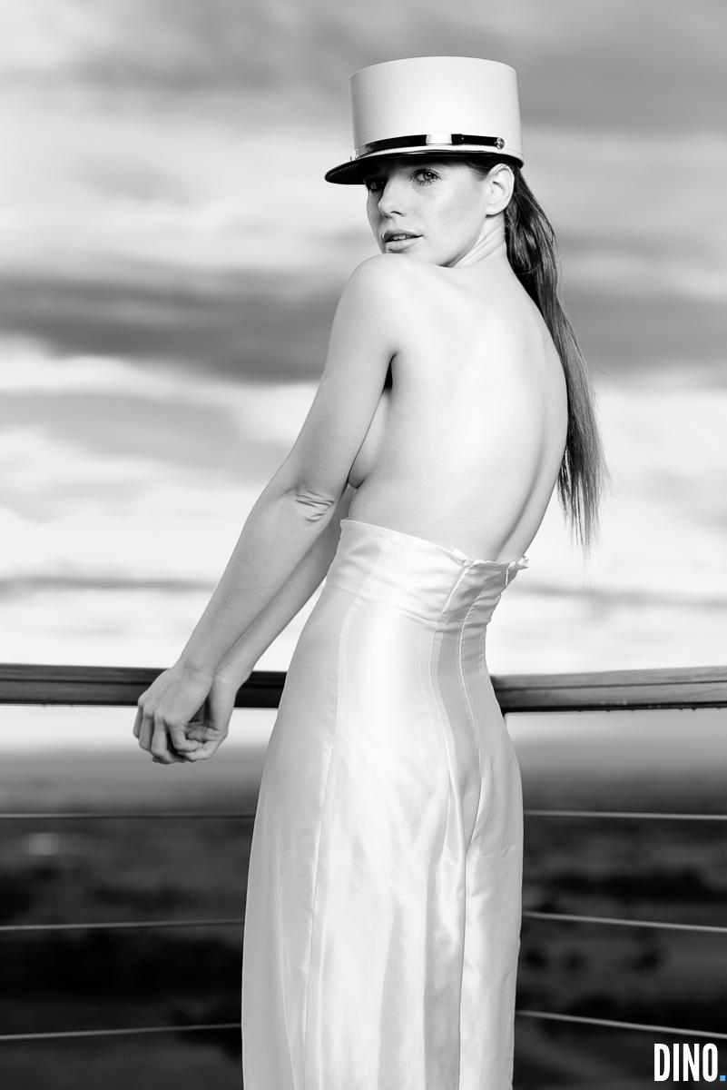 Model Widget als Flic in Palau Saverdera / Spanien. Hose: Sarah Fe.