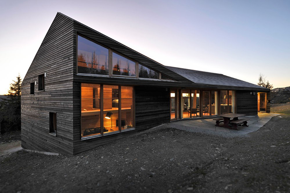 Twisted Cabin by Jarmund Visgnaes Architects
