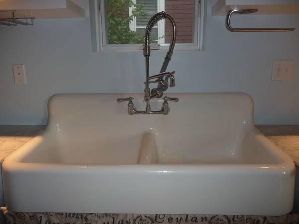 Antique-sink-2.jpg