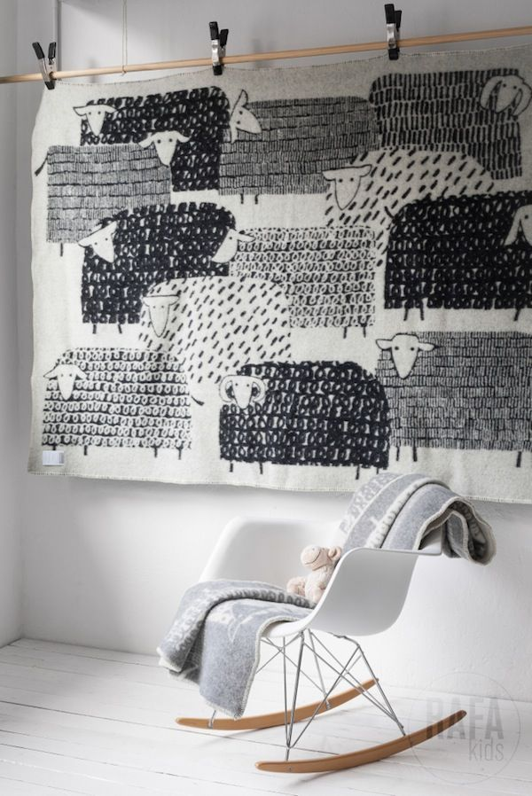 hanging-quilt-sheep.jpg
