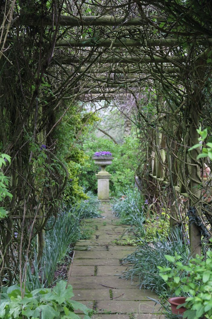 garden-pinners-hendy-curzon-secret-garden.jpg