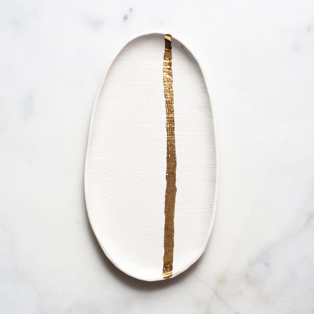 burlap tray in white with gold stripe