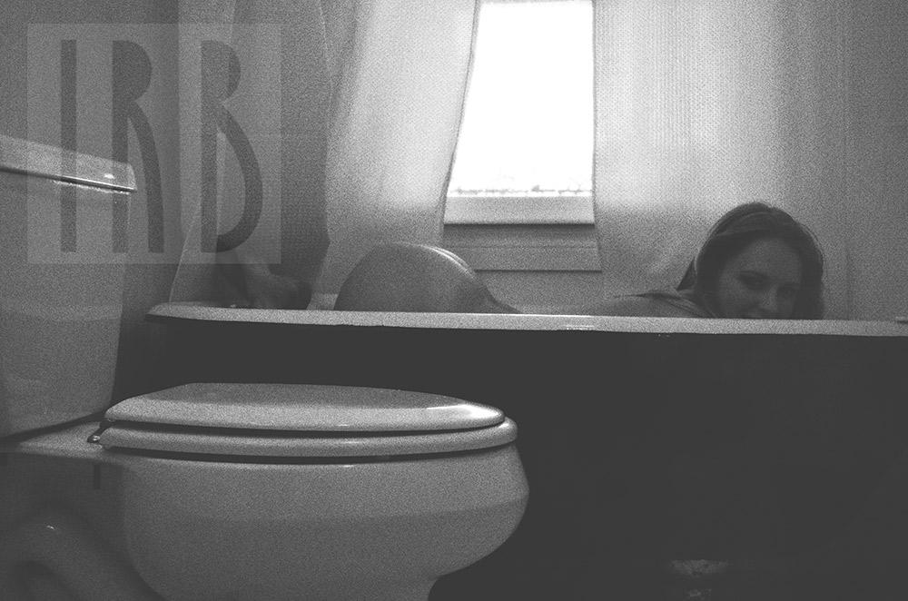 Ivory-Rose-Boudoir---Sarah-2015-Claw-Tub-Bathroom-Steam---Los-Angeles-Ojai-Santa-Barbara-Fine-Art-Nude-Photographer-Boudoir-Photography-12.jpg