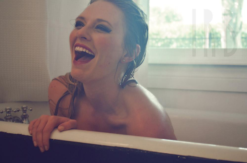 Ivory-Rose-Boudoir---Sarah-2015-Claw-Tub-Bathroom-Steam---Los-Angeles-Ojai-Santa-Barbara-Fine-Art-Nude-Photographer-Boudoir-Photography-22.jpg
