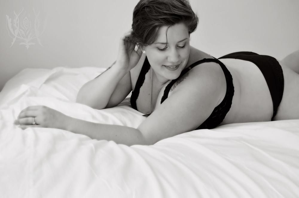 Ivory Rose Boudoir - Whitney 2014-35.jpg