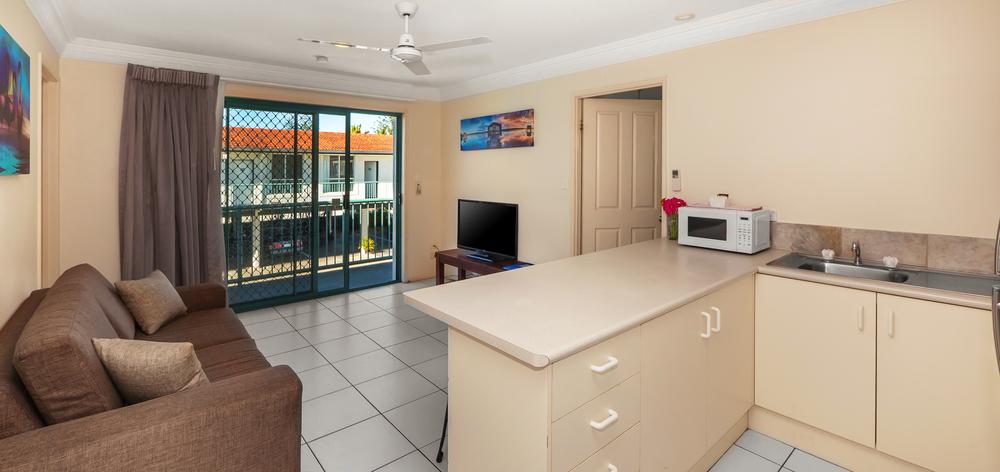 Bilinga Beachfront Motel-14-new.jpg