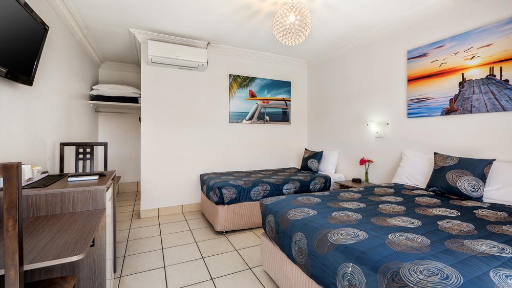 Bilinga Beachfront Motel-64-new.jpg