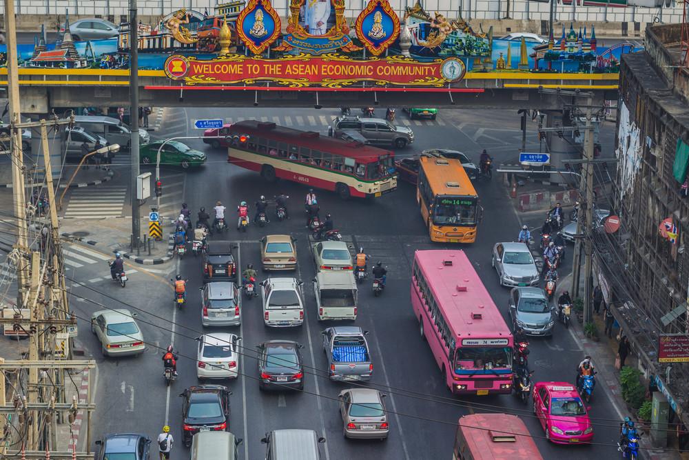 Morning Traffic on Ratchaprarop in Bangkok