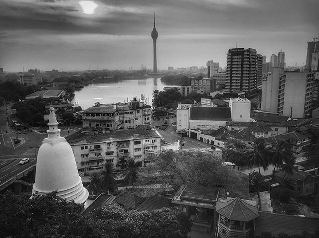 Colombo mornings.  #sosrilanka #blackandwhitetravel