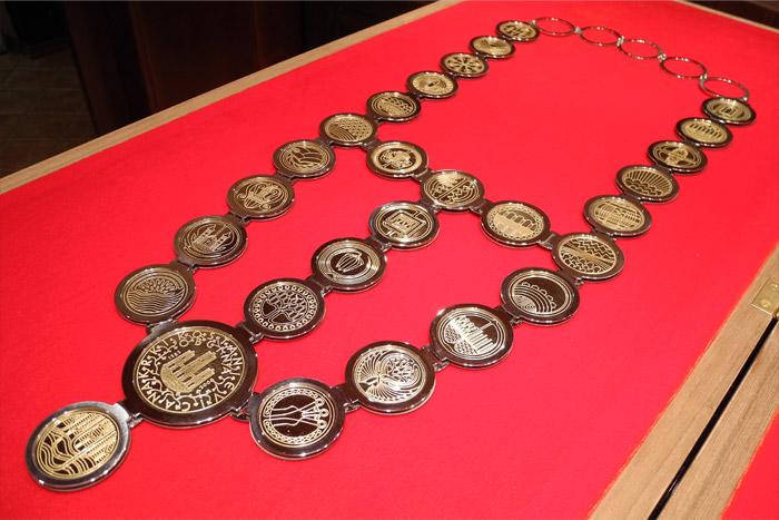 28-medaljonov-zupanske-verige.jpg