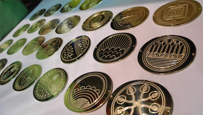 izdelava-zupanske-verige-pozlaceni-medaljoni.jpg