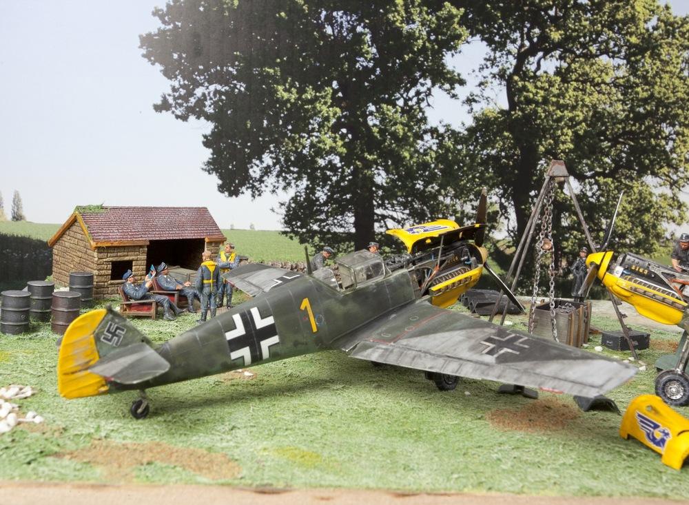 Messerschmitt 109 & Stuka.jpg