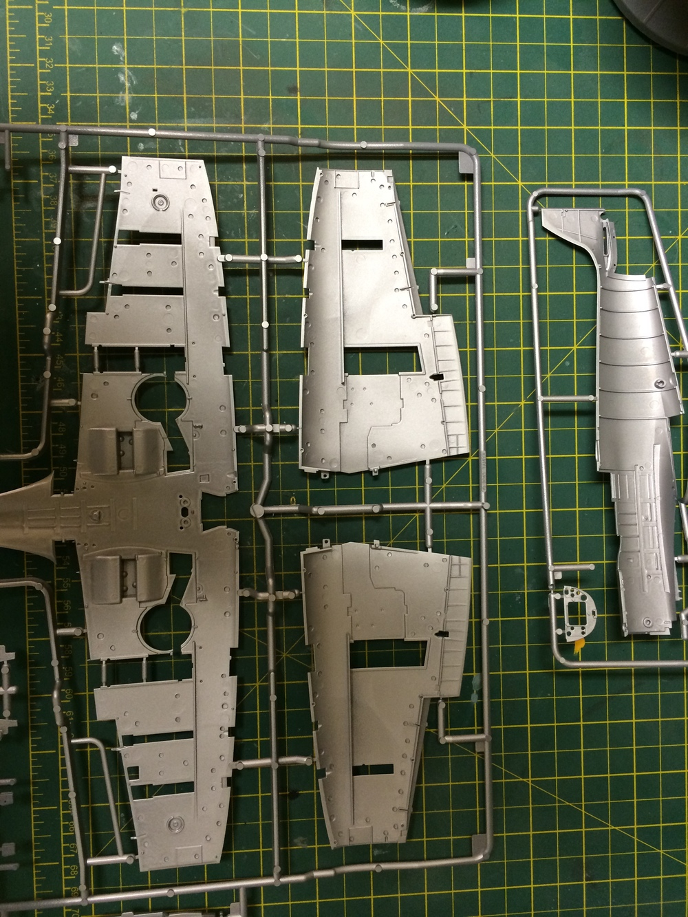 I undercoated a lot of the parts with Tamiya bear metal straight from the can.