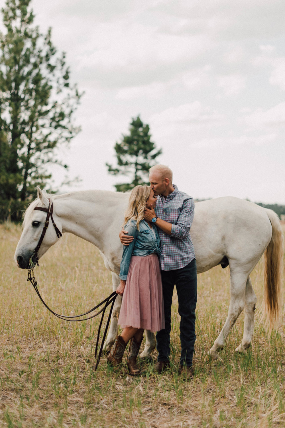 Adventurous-Wedding-Photography-Adventurous-Wedding-Photograph-Adventure-Elopement-Photographer-Adventurous-Elopement-Photograph-Adventurous-Elopement-Photographer-Adventurous-Destination-Elopement-Photographer-Destination-Elopement-Photography-Destination-Elopement-horseback-riding-engagement-session