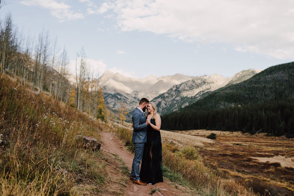 piney-river-ranch-Engagement-session-piney-river-ranch-vail-colorado-engagement-session-Adventurous-Wedding-Photography-Adventurous-Wedding-Photograph-Adventure-Elopement-Photographer-Adventurous-Elopement-Photograph-Adventurous-Elopement-Photographer-Adventurous-Destination-Elopement-Photographer-Destination-Elopement-Photography-Destination-Elopement-Packages