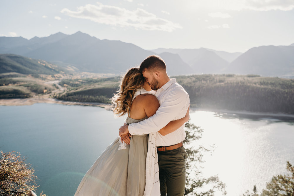 Engagement-session-colorado-engagement-session-Adventurous-Wedding-Photography-Adventurous-Wedding-Photograph-Adventure-Elopement-Photographer-Adventurous-Elopement-Photograph-Adventurous-Elopement-Photographer-Adventurous-Destination-Elopement-Photographer-Destination-Elopement-Photography-Destination-Elopement-Packages-Rocky-Mountain-Elopement-sapphire-point-engagement