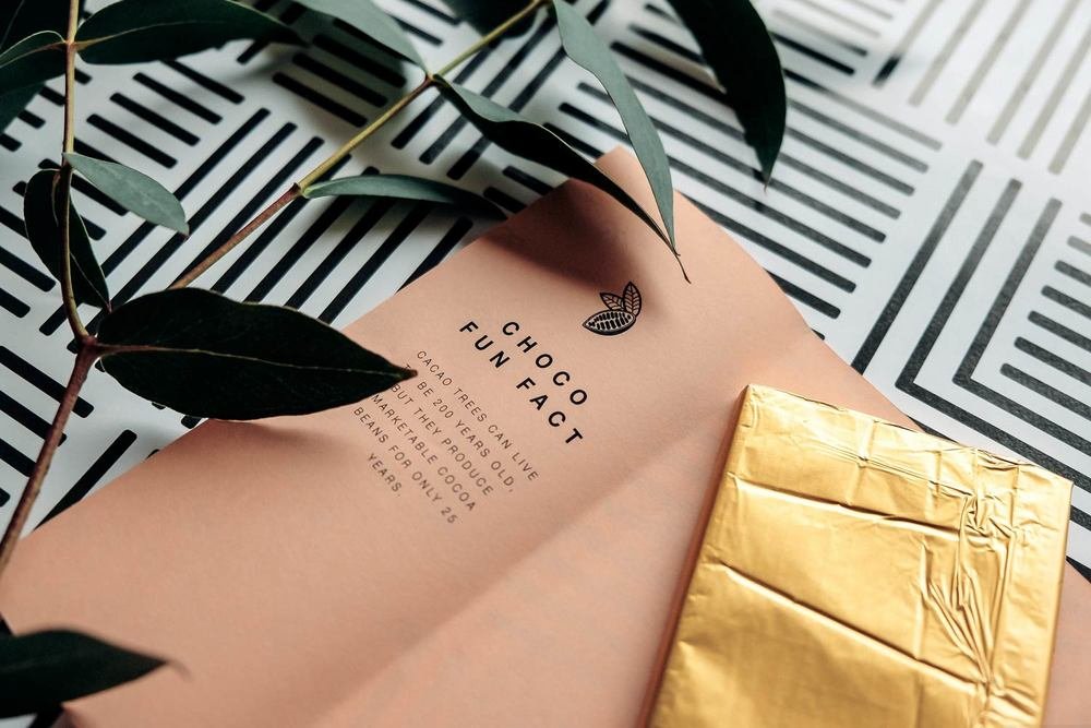 Design Chocolate Bars with pattern packaging and plant