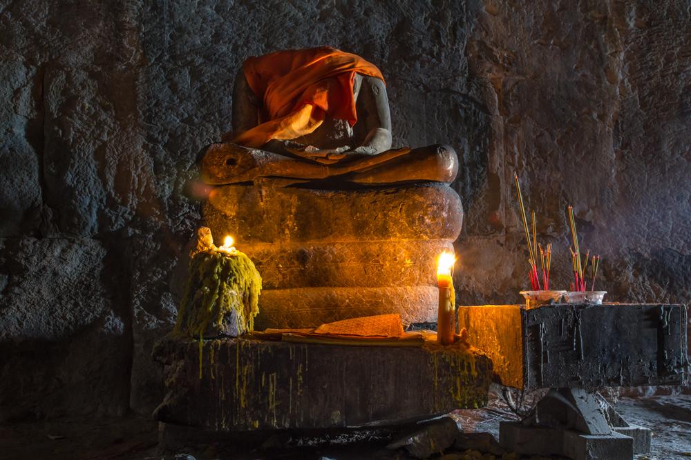 beheaded statue of buddha website.jpg
