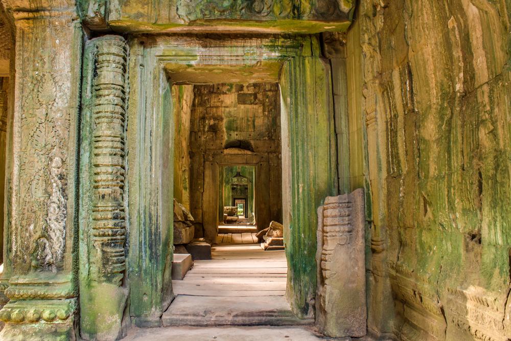 Ta Som Temple Door.jpg