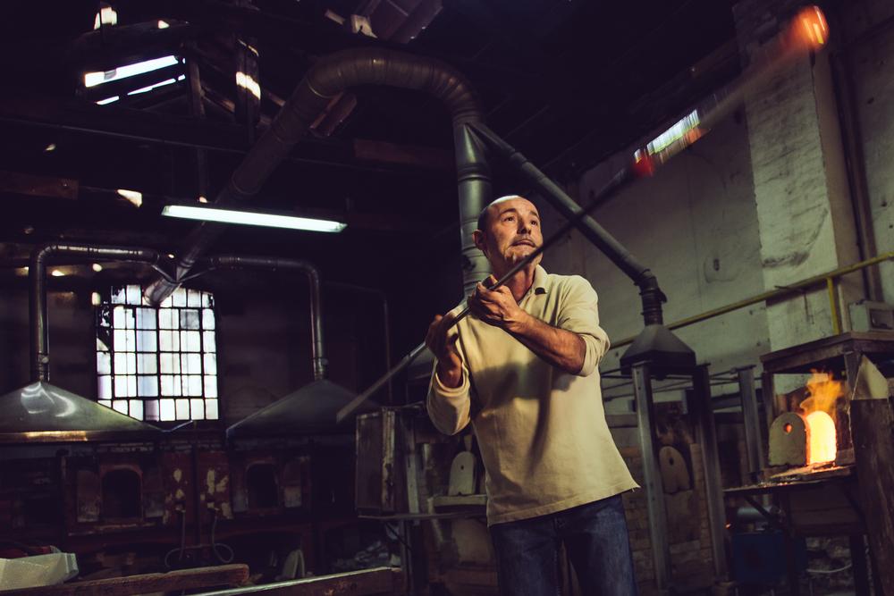 Maestro Mario Costantini Murano-3.jpg