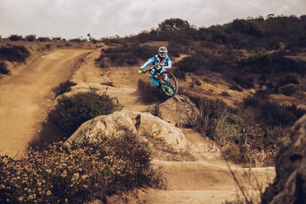 CarlosRo MTB jump dos.JPG