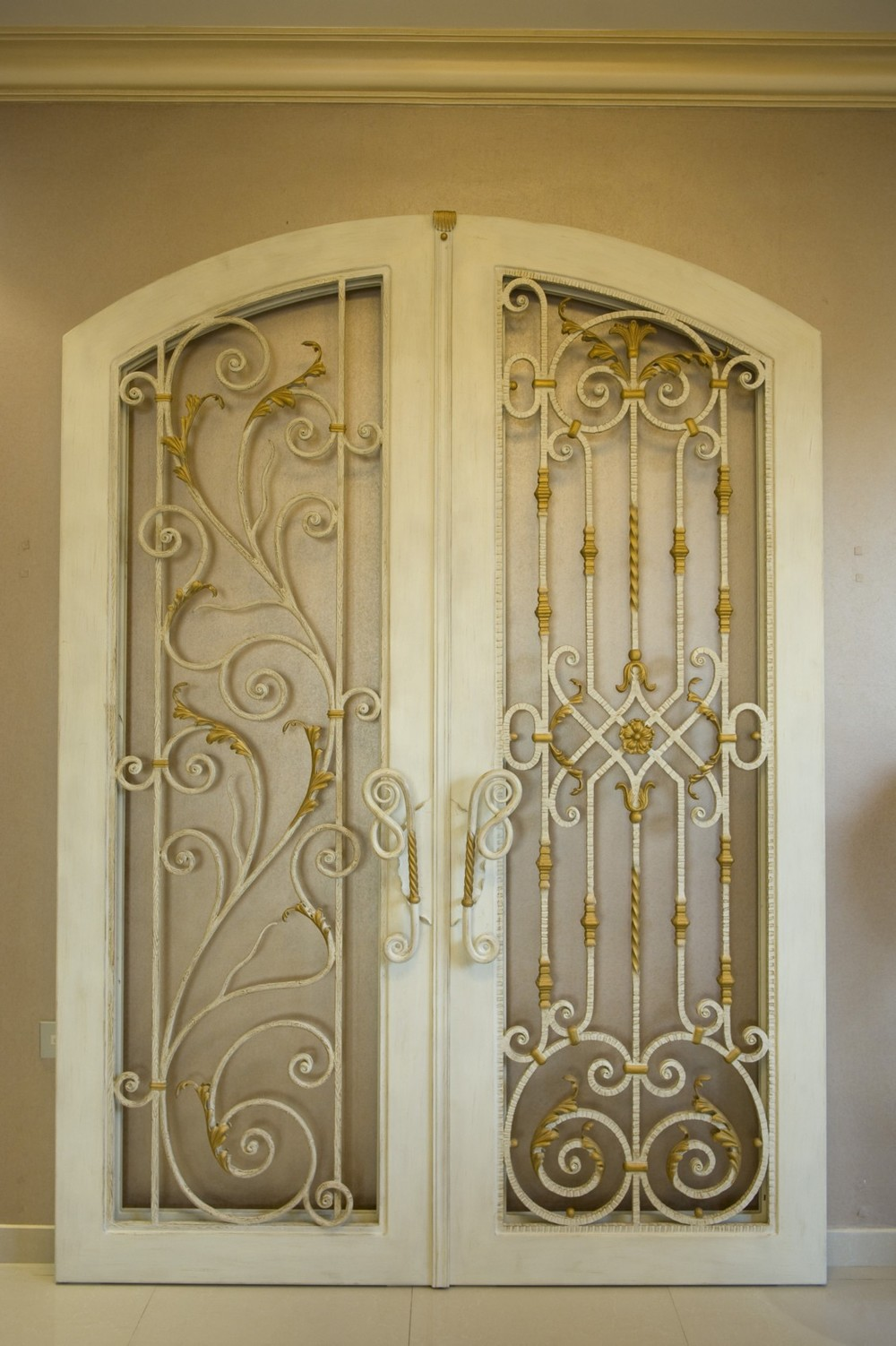 How iron doors are a better option for the uae and for Baroque glass door