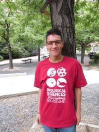 Daniel Escobar Camacho (BEES, Carleton Lab)