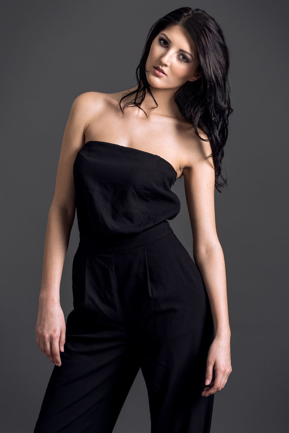 model-jumpsuit-mode-studio-portrati