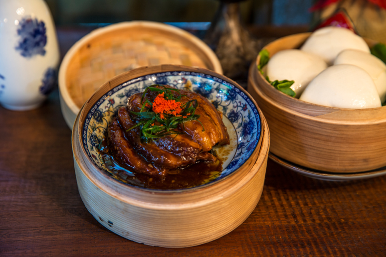 """Kou Rou Bao"" Braised Pork Belly with Buns"
