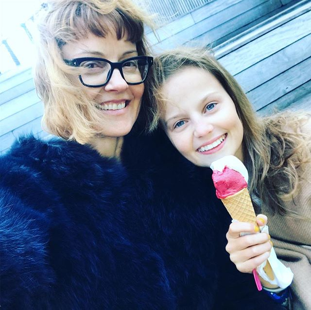 We thought spring could use some encouraging so we had ice cream on the Highline #nyc #hapinesstherapy #motherdaughter