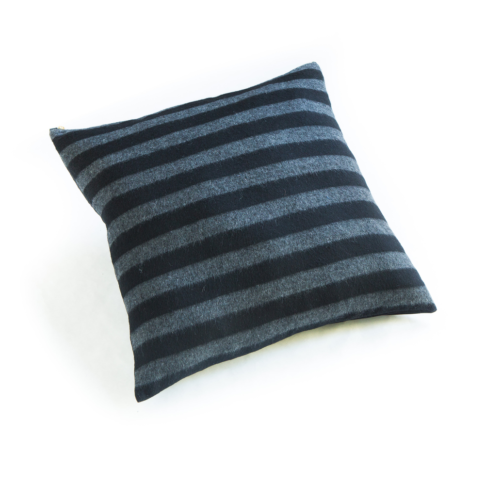 smallgunns_wool_striped_grey_pillow_24_5902.jpg