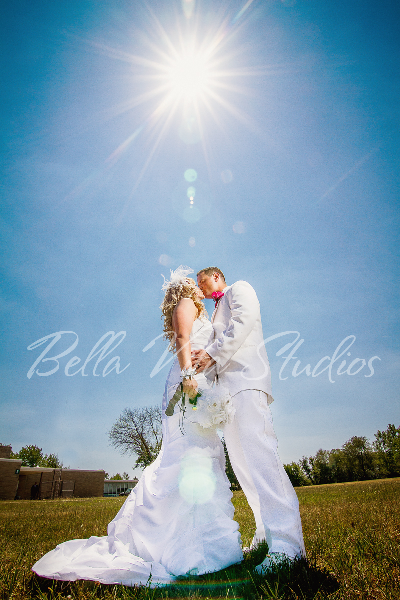 fort-wayne-wedding-photographers-photography-indianapolis-carmel-fishers-couple-sun.jpg