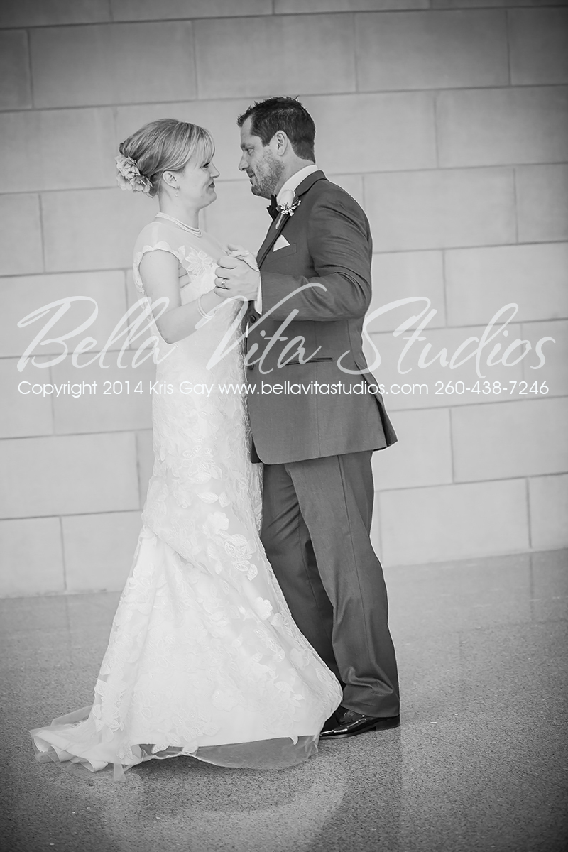 wedding-trinity-english-lutheran-church-fort-wayne-indiana-photographers-photography-engagement-1039