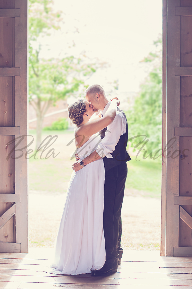 salomon-solomon-farm-wedding-fort-wayne-indiana-photographers-photography-rental-reception-ceremony-1025