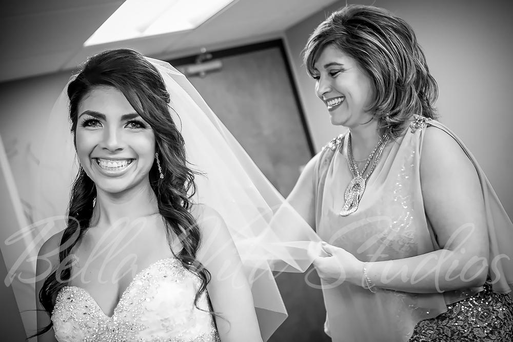 fort-wayne-wedding-photographers-photography-engagement-20140920-church-reception-1052