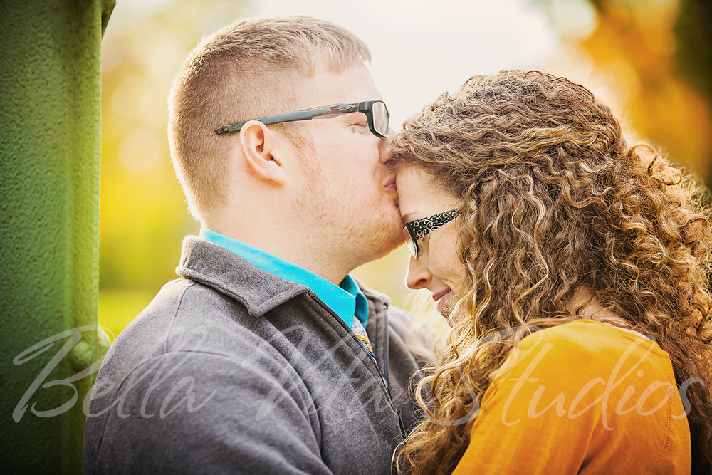 fort-wayne-wedding-photographers-photography-engagement-session-photos-1033