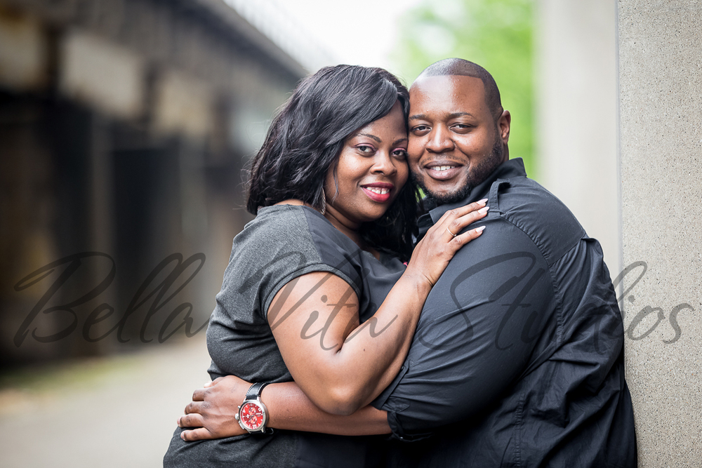 wedding-photographers-photography-in-fort-wayne-indiana-engagement-20150516-downtown-1012