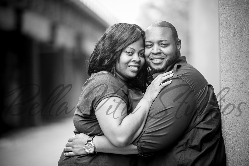 wedding-photographers-photography-in-fort-wayne-indiana-engagement-20150516-downtown-1013