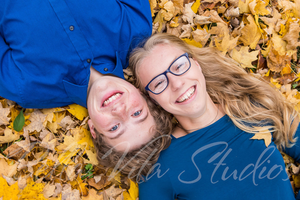 family-portraits-photos-pictures-session-photographers-fort-wayne-indiana-huntington-auburn-decatur-bluffton-1030