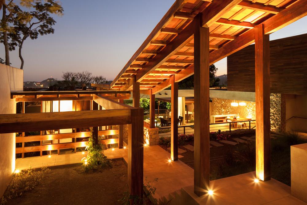 Architecture-Modern-Casa-Jardin-El-Salvador-Night-17.JPG